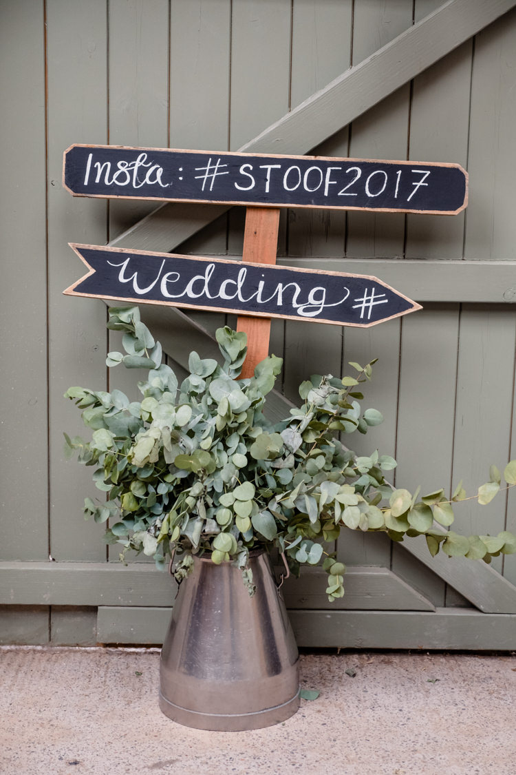 Urn Flowers Greenery Foliage Chalk Board Sign Post Instagram Hashtag Boho Eucalyptus Green White Modern Wedding http://www.euanrobertsonweddings.com/