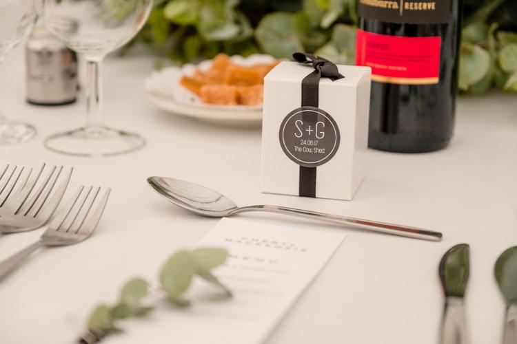 Favour Box Boho Eucalyptus Green White Modern Wedding http://www.euanrobertsonweddings.com/
