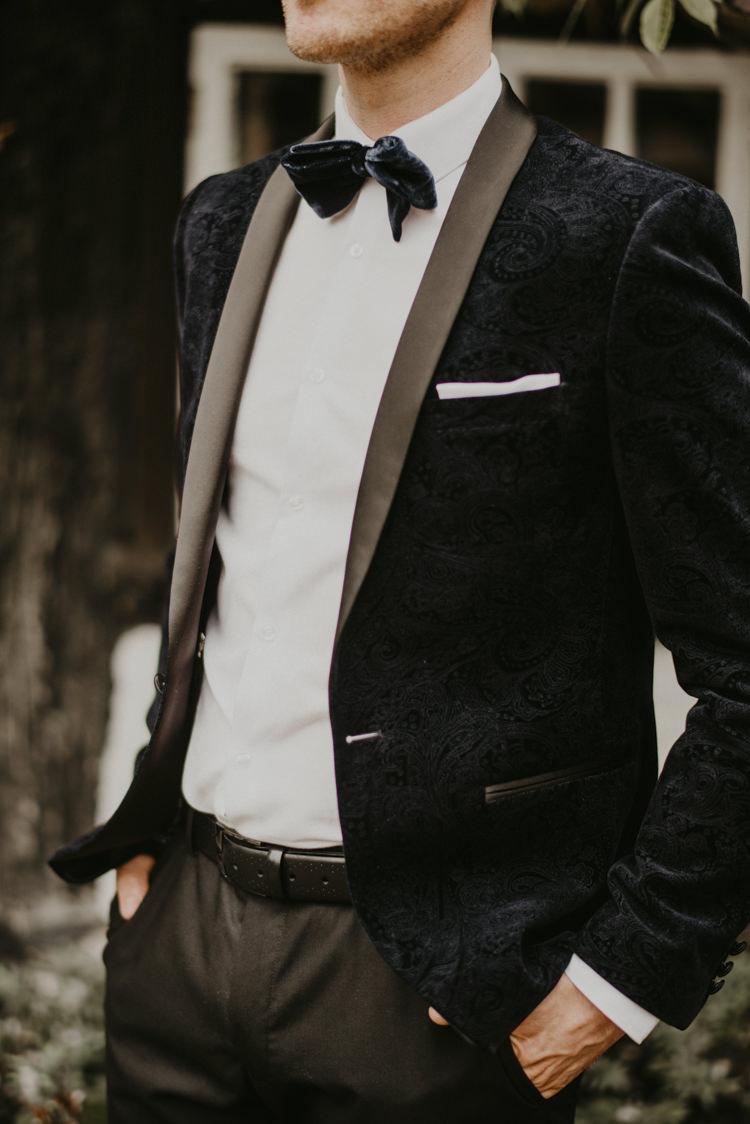 Groom Tux Tuxedo Velvet Jacket Bow Tie Vibrant Tropical Wedding Ideas http://foto-memories.co.uk/