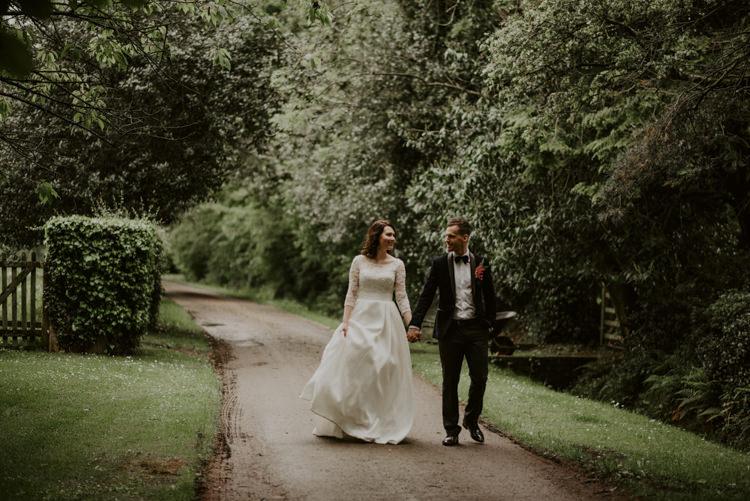 Vibrant Tropical Wedding Ideas http://foto-memories.co.uk/