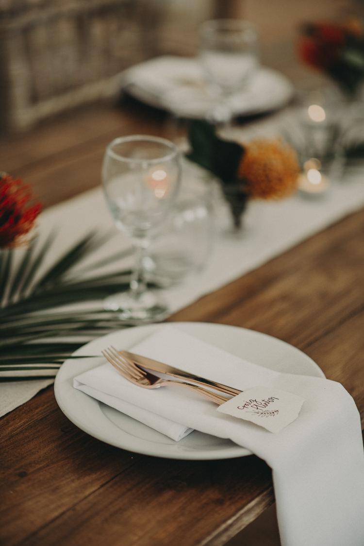 Place Setting Decor Tablescape Vibrant Tropical Wedding Ideas http://foto-memories.co.uk/