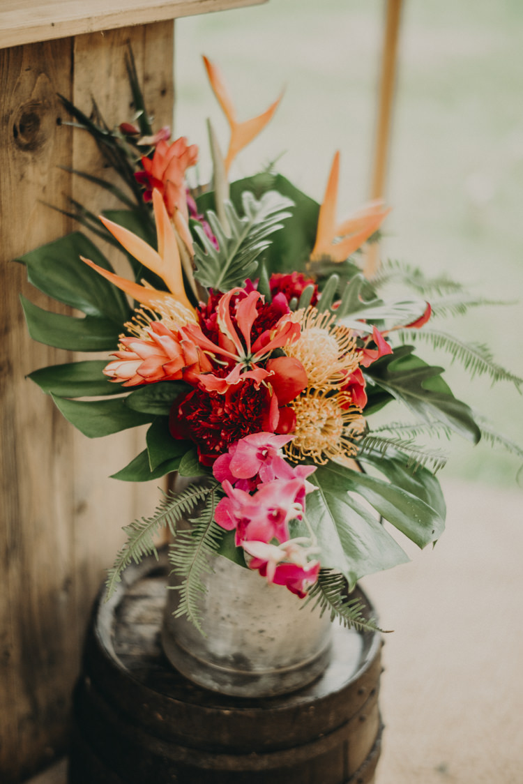 Flowers Vase Palm Leaves Decor Vibrant Tropical Wedding Ideas http://foto-memories.co.uk/