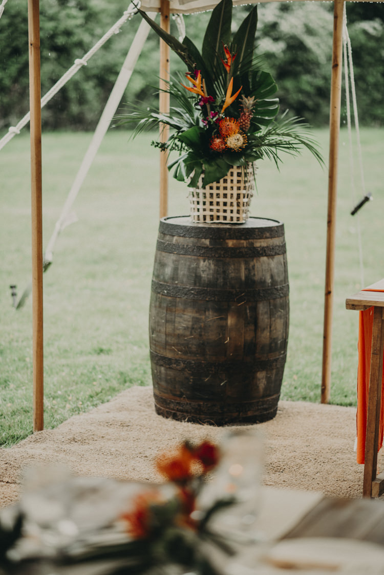 Vibrant Tropical Wedding Ideas http://foto-memories.co.uk/