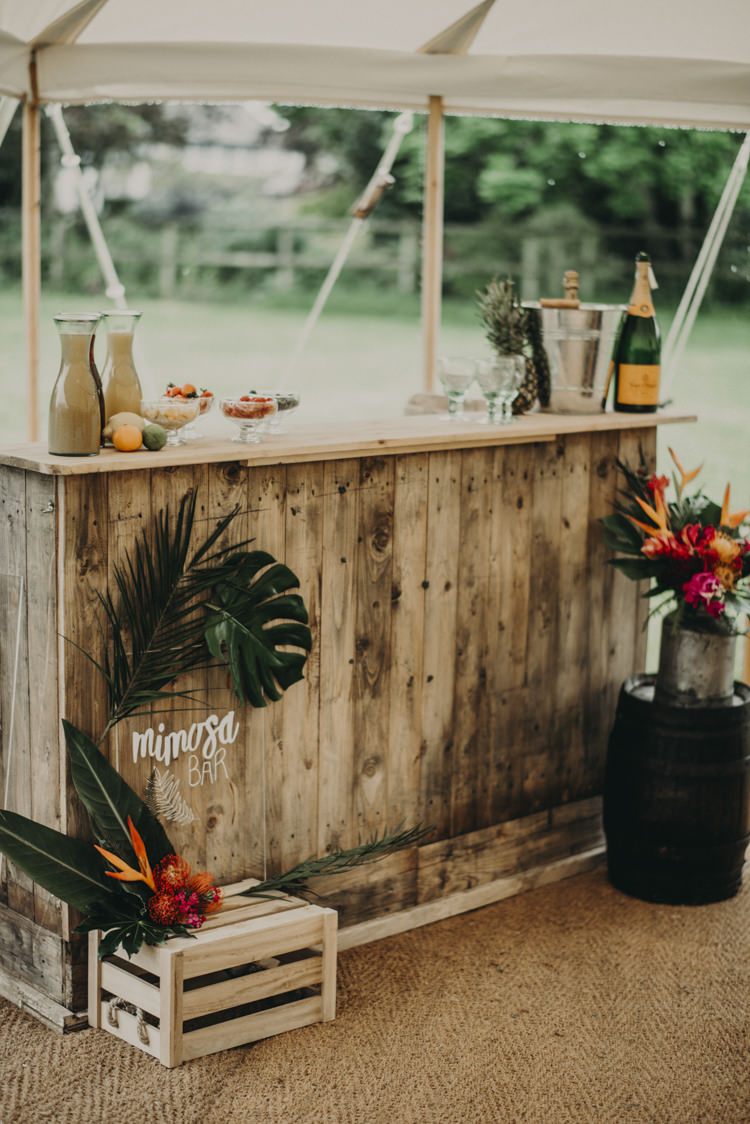 Wooden Bar Station Drinks Vibrant Tropical Wedding Ideas http://foto-memories.co.uk/