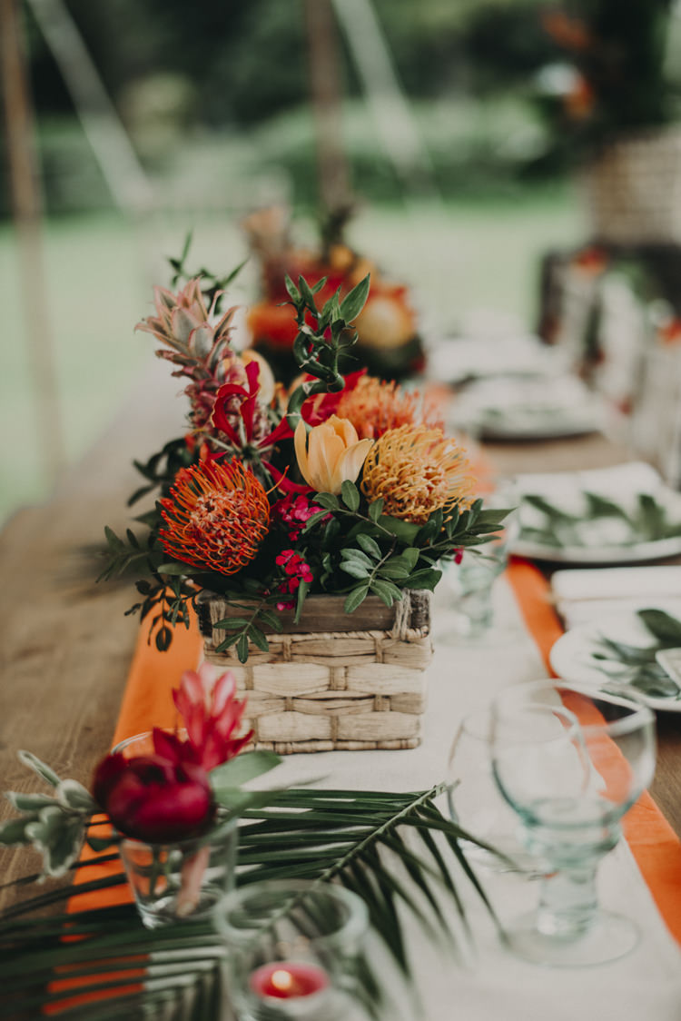 Flowers Decor Palm Leaf Vibrant Tropical Wedding Ideas http://foto-memories.co.uk/