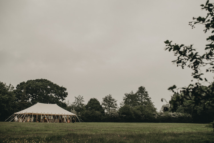 Pole Tent Marquee Palm Leaf Stationery Invites Invitations Vibrant Tropical Wedding Ideas http://foto-memories.co.uk/