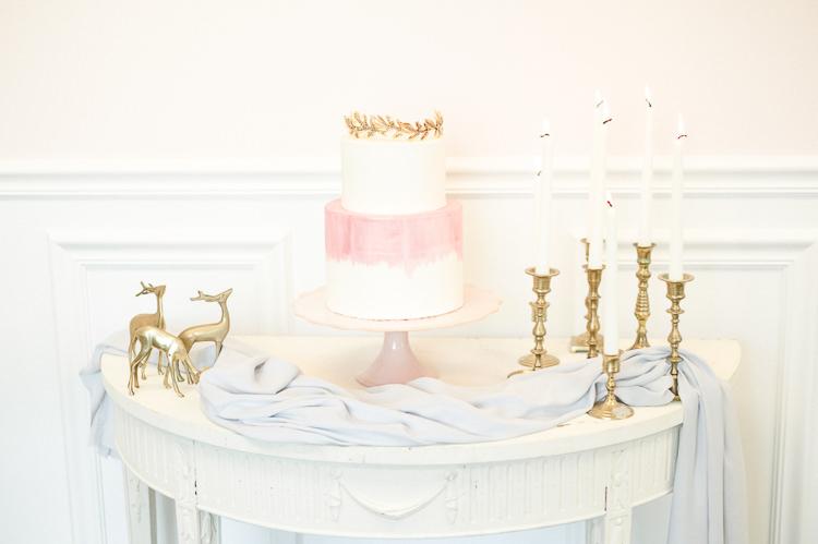 Pink Ombre Watercolour Cake Gold Topper Light Soft Romantic Wedding Ideas http://www.vanessavelez.photo/