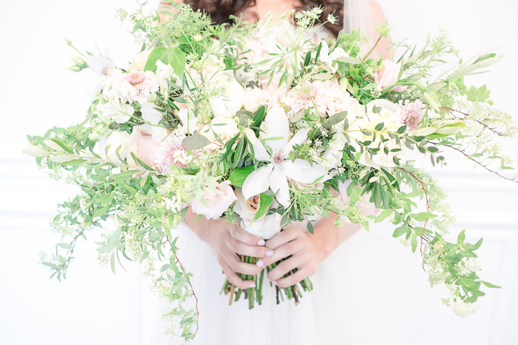 Bouquet Flowers Bride Bridal Rose Dahlia Pink Greenery Foliage Wild Large Light Soft Romantic Wedding Ideas http://www.vanessavelez.photo/