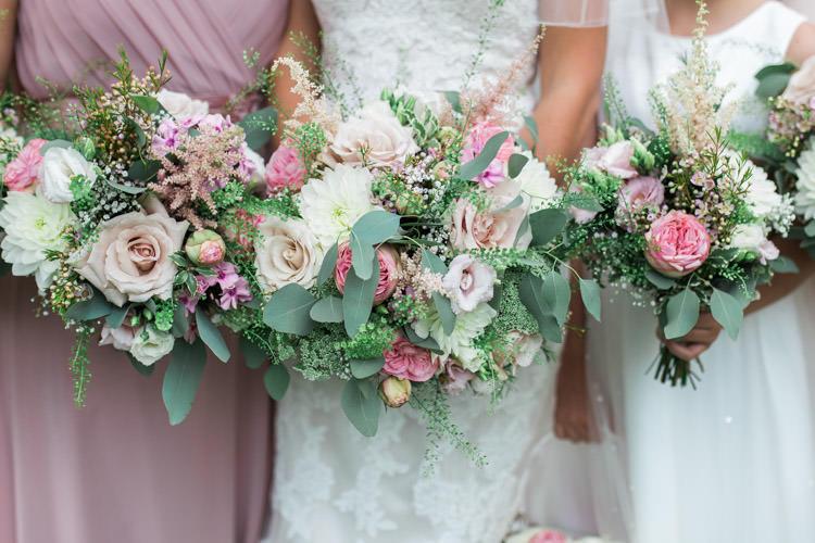 Pink Flowers Bouquet Bride Bridesmaid Rose Peony Asilbe Simple Natural Honest Marquee Wedding https://www.gemmagiorgio.com/