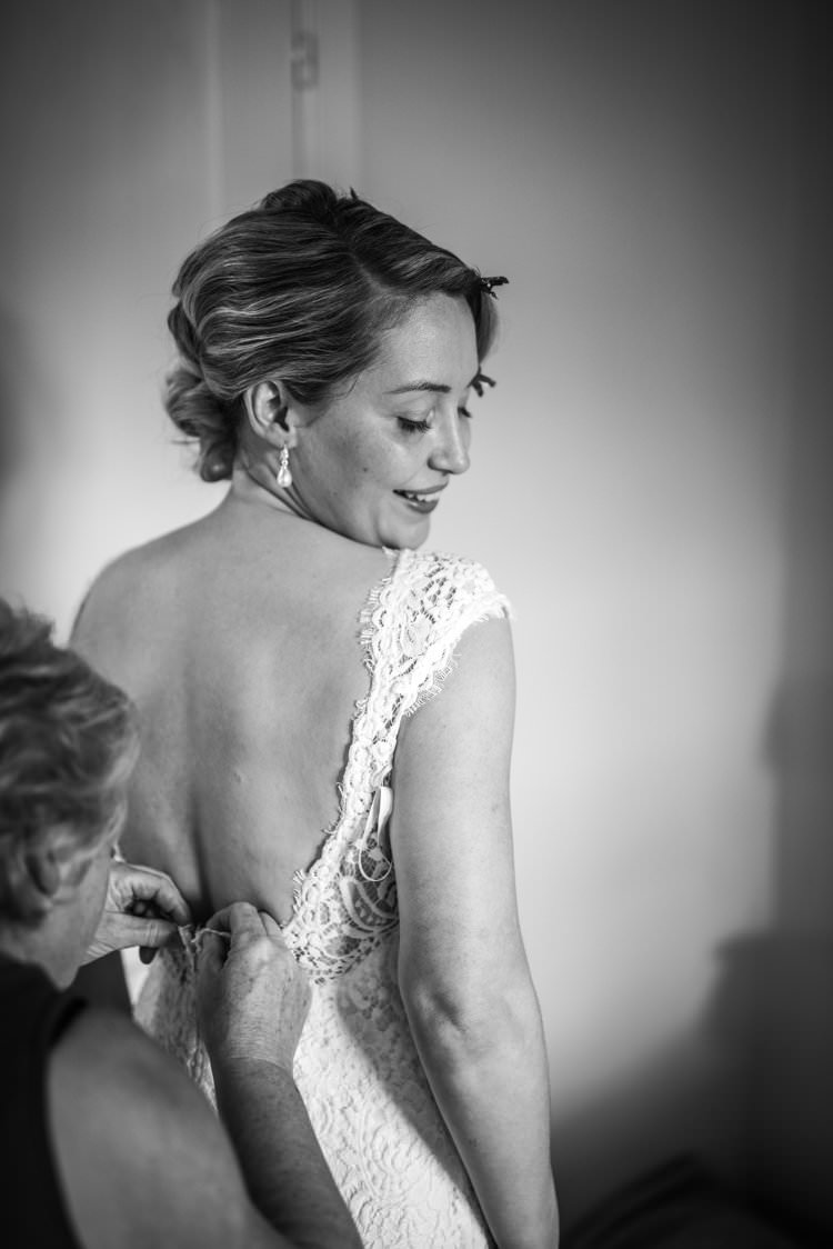 Bride Lace Scoop Back Up-do Wave Yellow Navy Outdoor Tuscany Wedding http://www.natalymontanari.com/
