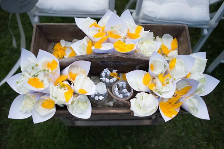 Confetti Cones Petals Roses Yellow Navy Outdoor Tuscany Wedding http://www.natalymontanari.com/