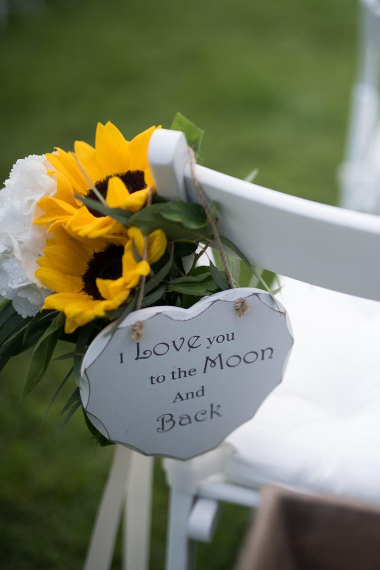 Aisle Decor Sunflowers Sign Yellow Navy Outdoor Tuscany Wedding http://www.natalymontanari.com/