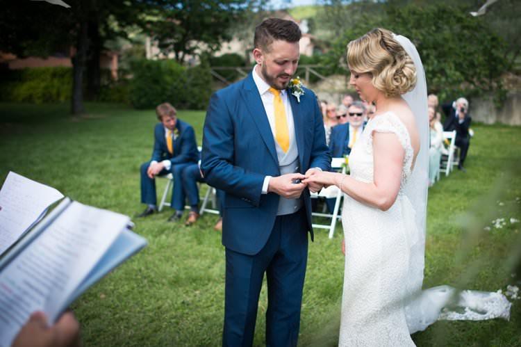 Ceremony Ring Exchange Bride Groom Yellow Navy Outdoor Tuscany Wedding http://www.natalymontanari.com/