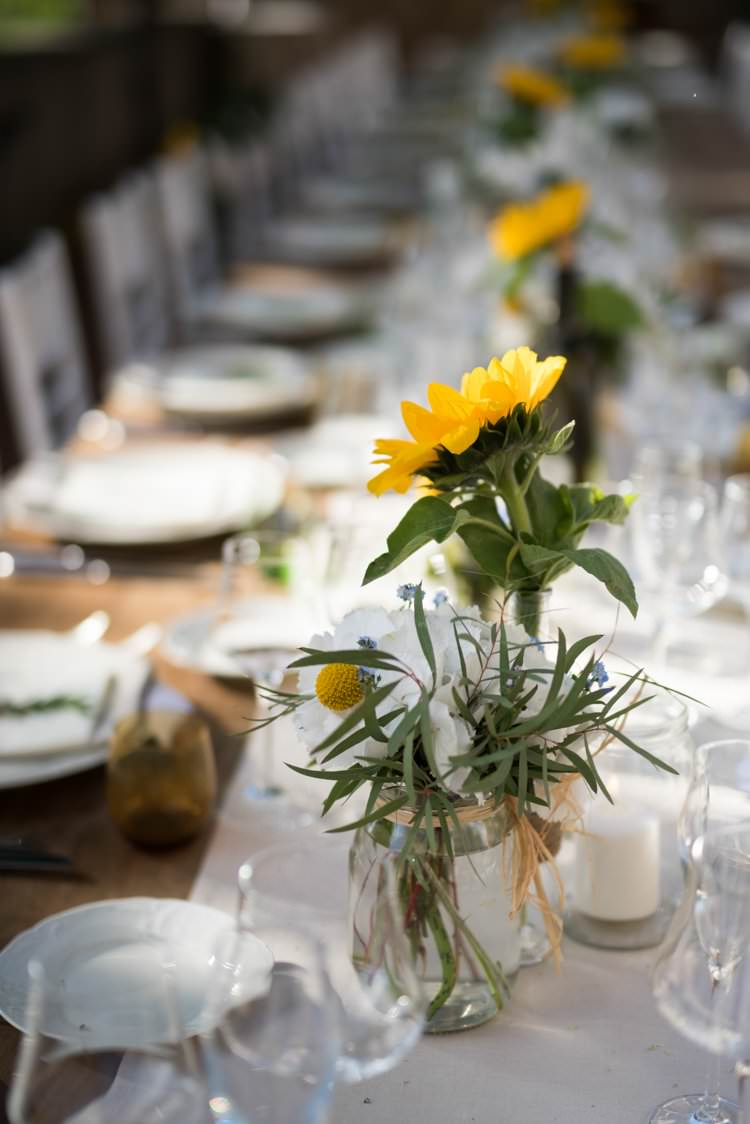 Table Decor Sunflowers Daisies Candles Table Runner Yellow Navy Outdoor Tuscany Wedding http://www.natalymontanari.com/