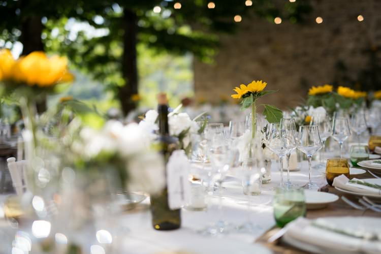Table Decor Sunflowers Daisies Candles Table Runner Yellow Navy Outdoor Tuscany Wedding http://www.natalymontanari.com/