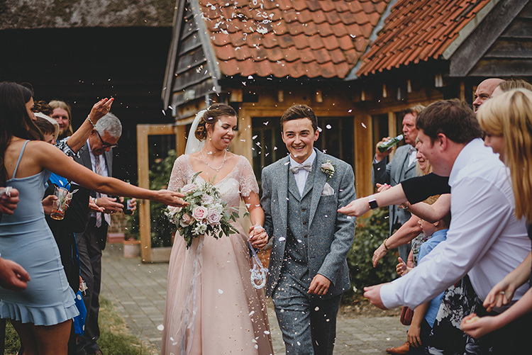 Confetti Throw Vintage Retro Inspired Pastel Wedding https://www.georgiarachael.com/