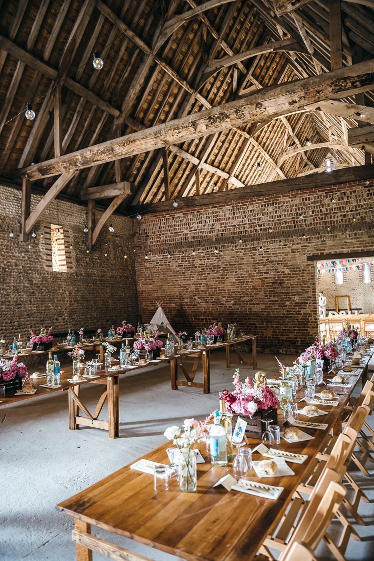 Barn Weddings Ideas Inspiration http://www.bethmoseleyphotography.co.uk/