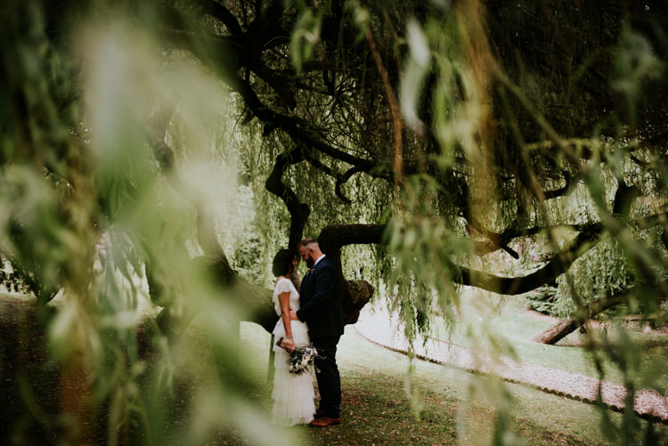 Unique Personal Natural Wedding Style https://photo.shuttergoclick.com/