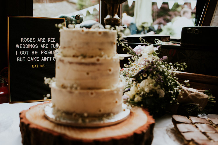 Buttercream Cake Log Slice Stand Decor Unique Personal Natural Wedding Style https://photo.shuttergoclick.com/