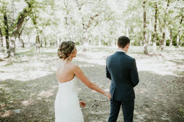 Outdoor Rustic Boho Forest First Look Bride Groom Morning | Organic Earthy Fun Wedding Oklahoma http://zaynewilliams.com/