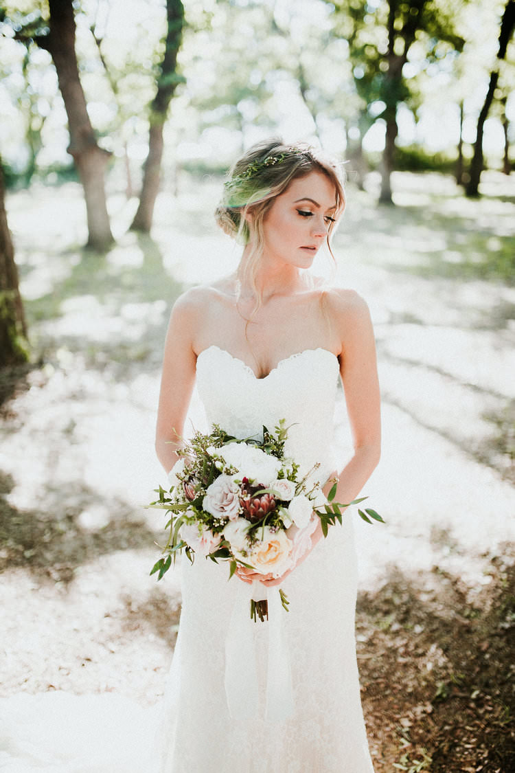 Outdoor Rustic Boho Forest Natural Sweetheart Bride Updo Romantic White Bouquet | Organic Earthy Fun Wedding Oklahoma http://zaynewilliams.com/