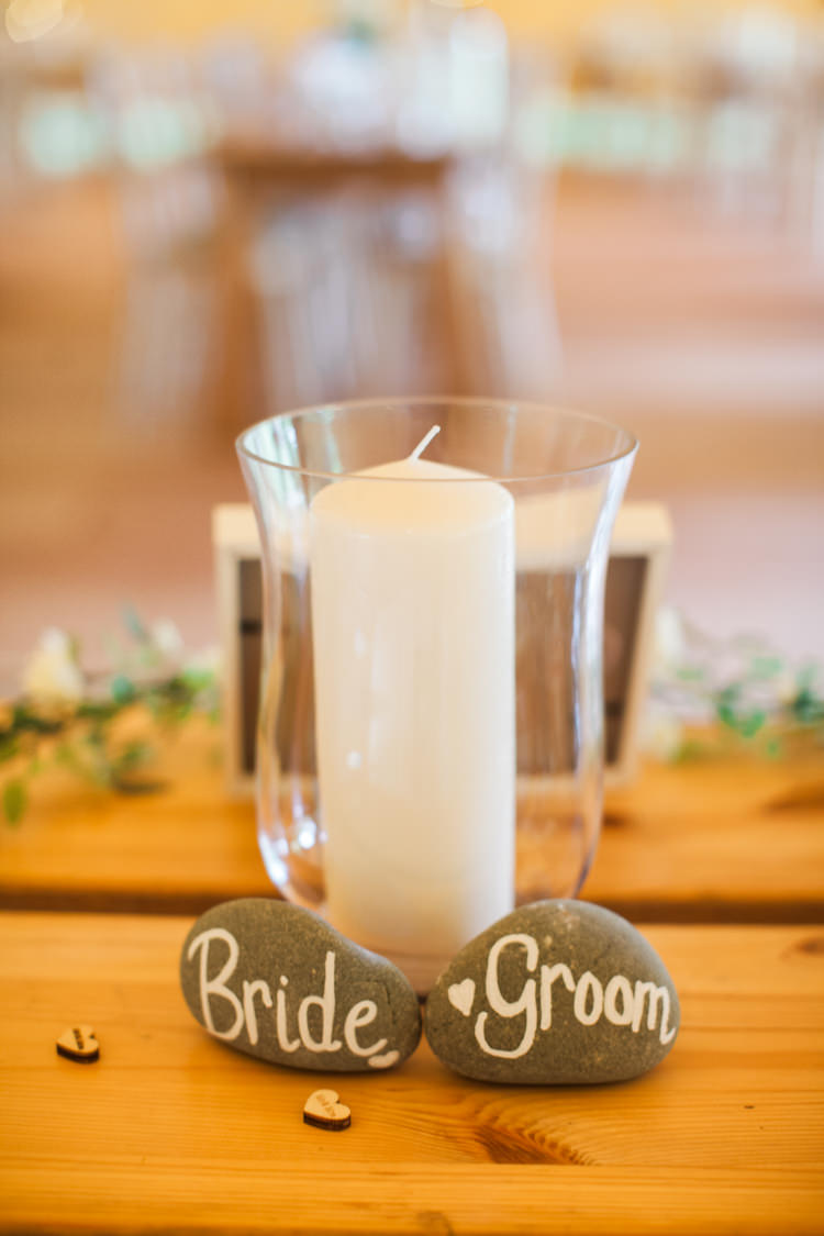 Bride Groom Pebble Place Names Candle Fresh Modern Countryside Outdoor Wedding https://www.nikkismoments.com/