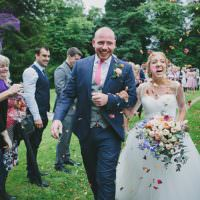 Pretty Country Gin Wedding http://www.victoriasomersethowphotography.co.uk/