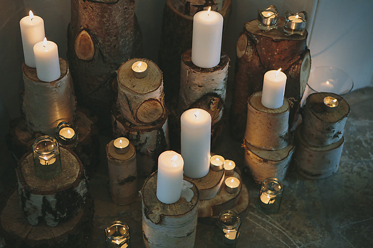 Log Wood Slice Candles Tea Lights Rustic Display Pretty Country Gin Wedding http://www.victoriasomersethowphotography.co.uk/