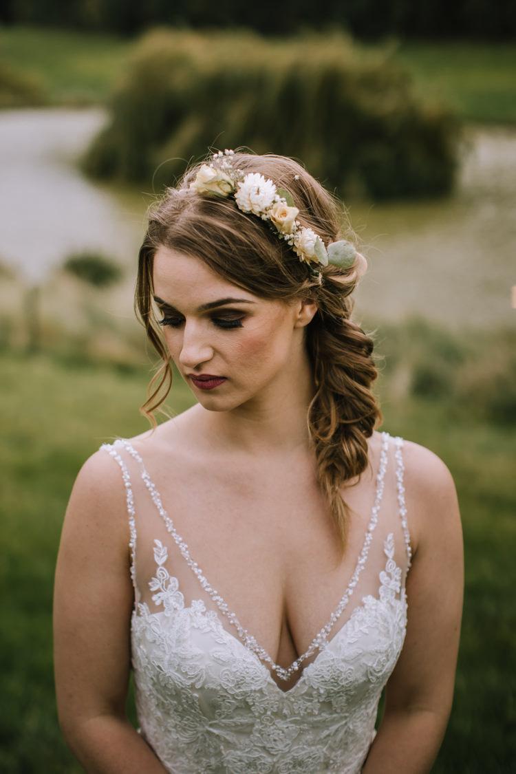 Make Up Bride Bridal Beauty Eyes Lips Edgy Seasonal Autumnal Tipi Wedding Ideas http://www.sambennettphotography.co.uk/
