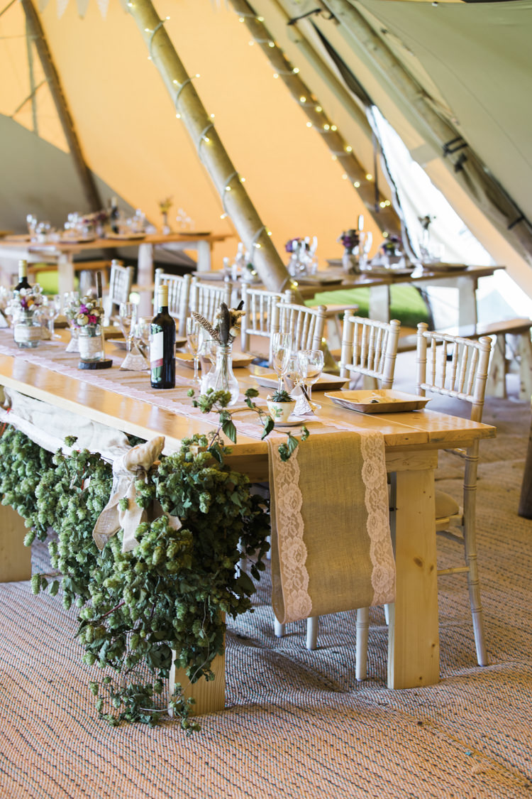 Greenery Hops Table Hessian Lace Deor Unique Country Farm Tipi Wedding http://www.nataliedphotography.com/