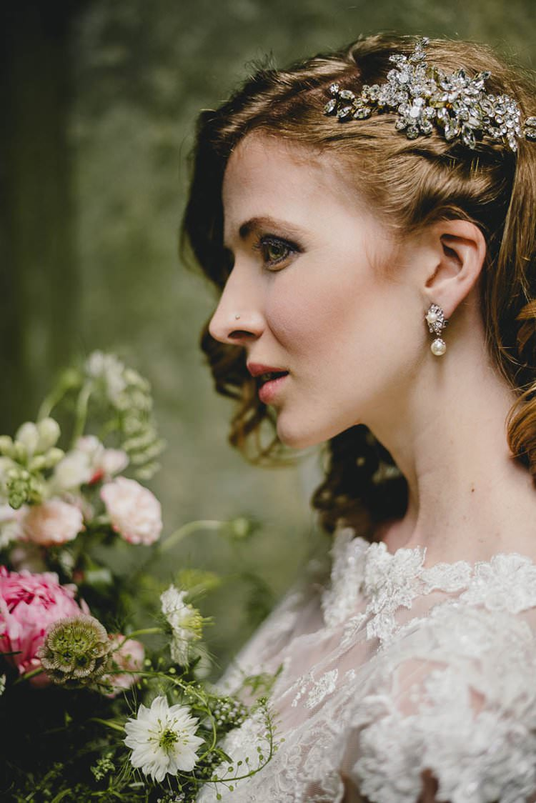 Make Up Bride Bridal Style Beauty Romantic Luxe Wedding Ideas in the Country http://benjaminmathers.co.uk/