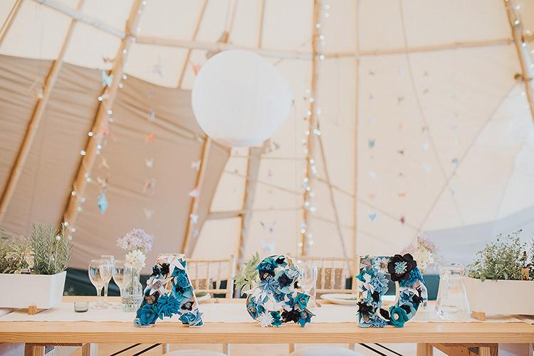 Tipi Balloon Fairy Lights Origami Happy Crafty Summer Farm Wedding http://twigandvine.photography/