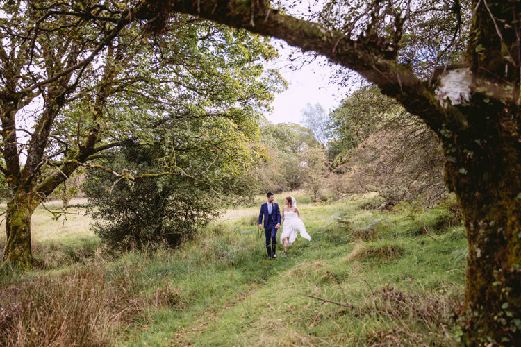 Rustic Cosy Autumn Wedding Lake District http://hayleybaxterphotography.com/
