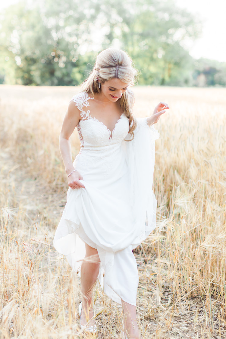 Pastels Gold Pretty Summer Barn Wedding http://summerlilystudio.com/
