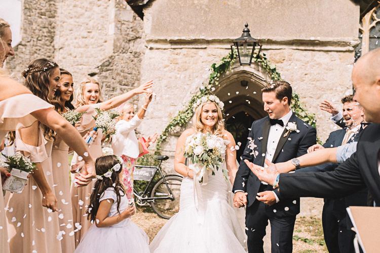 Confetti Throw Tropical Boho Luxe Barn Wedding https://www.luciewatsonphotography.com/