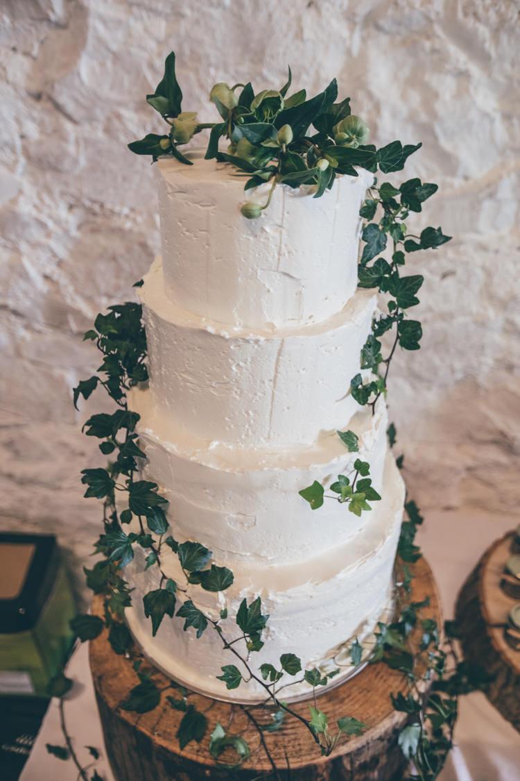 Buttercream Cake Rustic Ivy Log Stand Natural Earthy Greenery Home Made Wedding http://rachellambertphotography.co.uk/