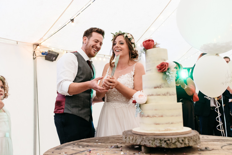 Cake Cutting Table Buttercream Floral Wood Slice Log Relaxed Rustic Country Farm Wedding https://www.chris-seddon.co.uk/