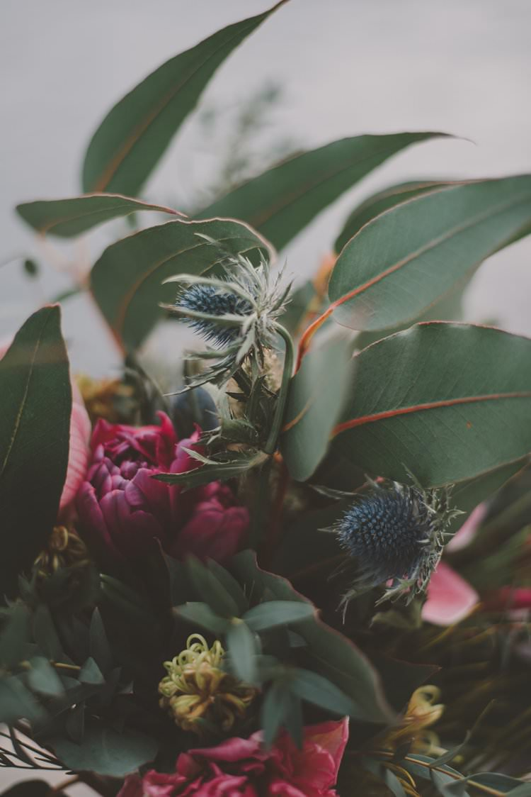 Berry Thistle Bouquet Norway Mountain Elopement | Moody Chic Norwegian Fjord Wedding Ideas https://www.anoukfotografeert.nl/