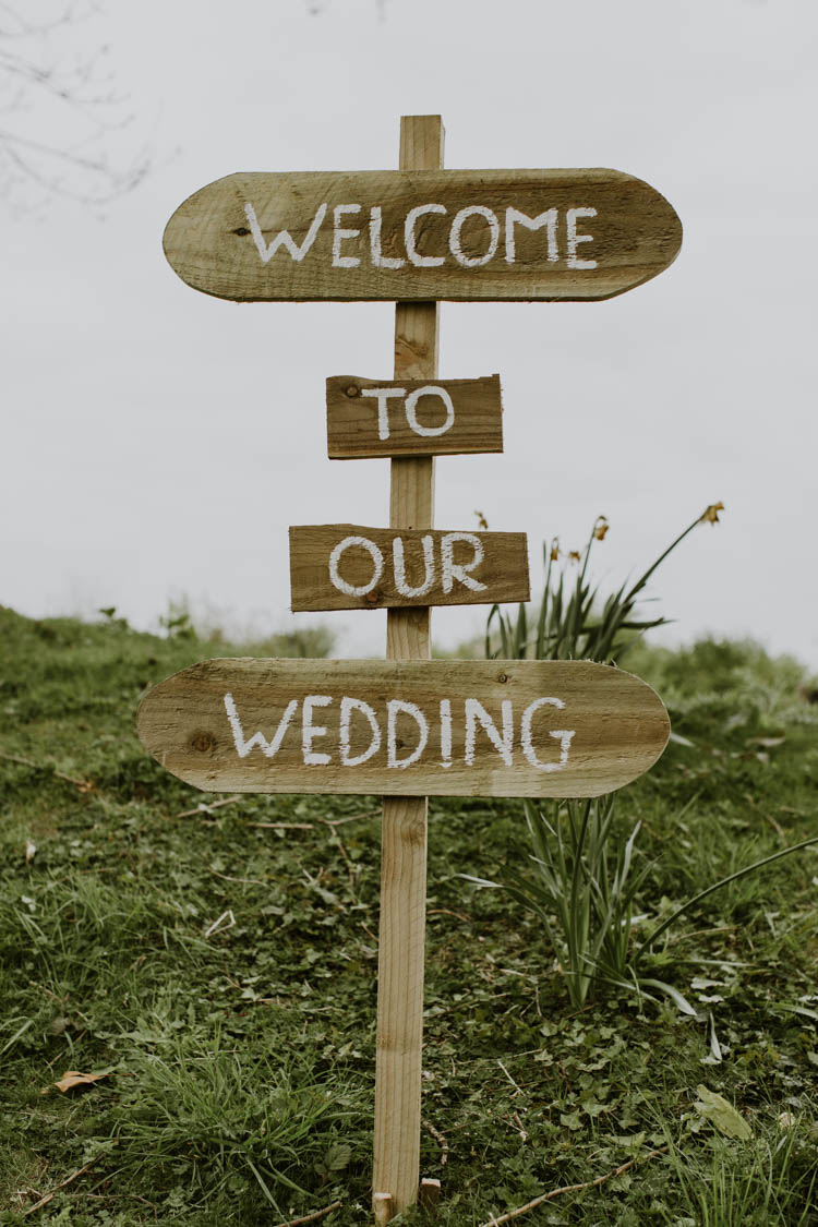 Sign Post Welcome Wooden Painted Rustic Copper Spring Barn Wedding http://www.alexandrajane.co.uk/