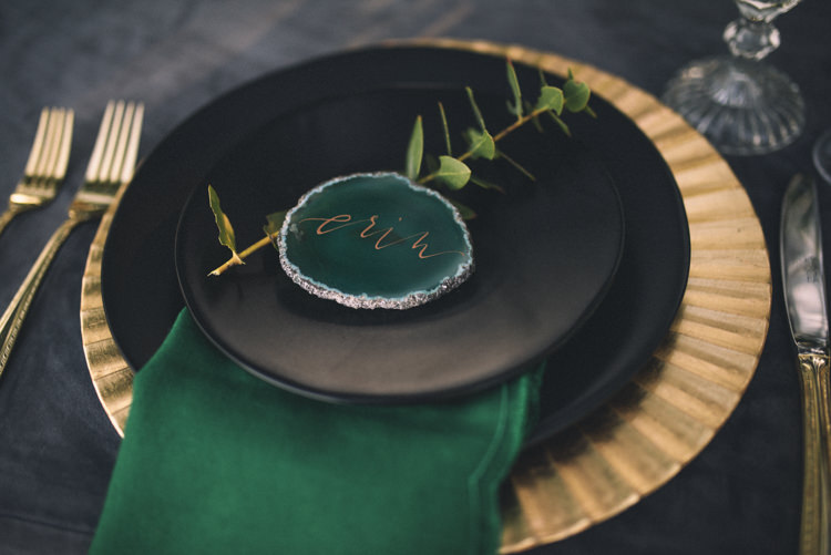 Dark Moody Black Green Gold Table Decor Agate Placecards Charger Geometric | Edgy Emerald City Wedding Ideas http://www.yvonnegollphotography.com/