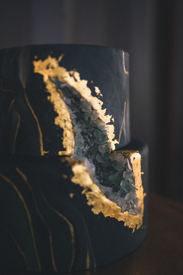 Dark Moody Gold Black Green Geode Cake Sugar Crystal | Edgy Emerald City Wedding Ideas http://www.yvonnegollphotography.com/