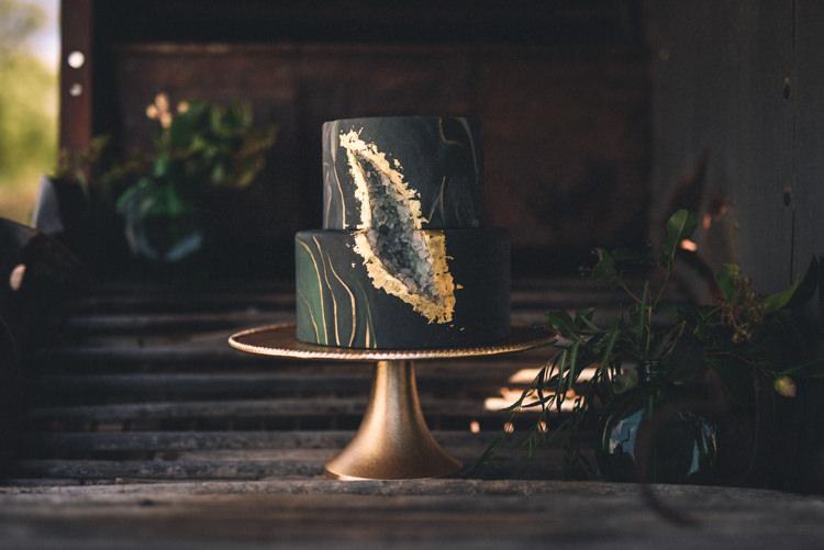 Dark Moody Black Green Gold Geode Cake Sugar Crystal | Edgy Emerald City Wedding Ideas http://www.yvonnegollphotography.com/