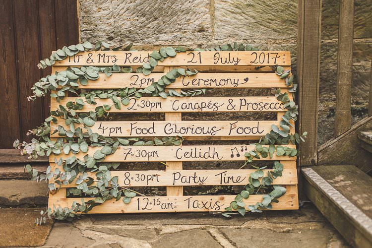 Wooden Pallet Sign Order Day Greenery Rustic Outdoor Summer Wedding Pet Pug http://kirstymackenziephotography.co.uk/