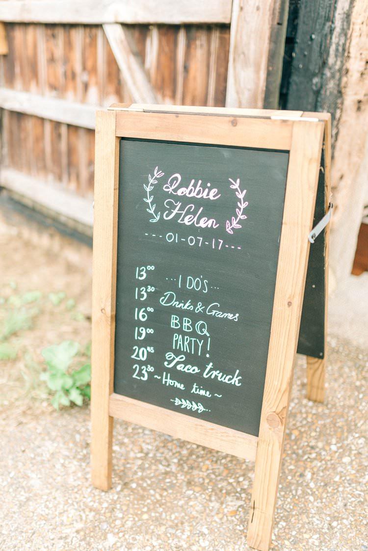 Black Chalk Board Sign Order Day Rustic Summer Country DIY Barn Wedding http://sarahjaneethan.co.uk/