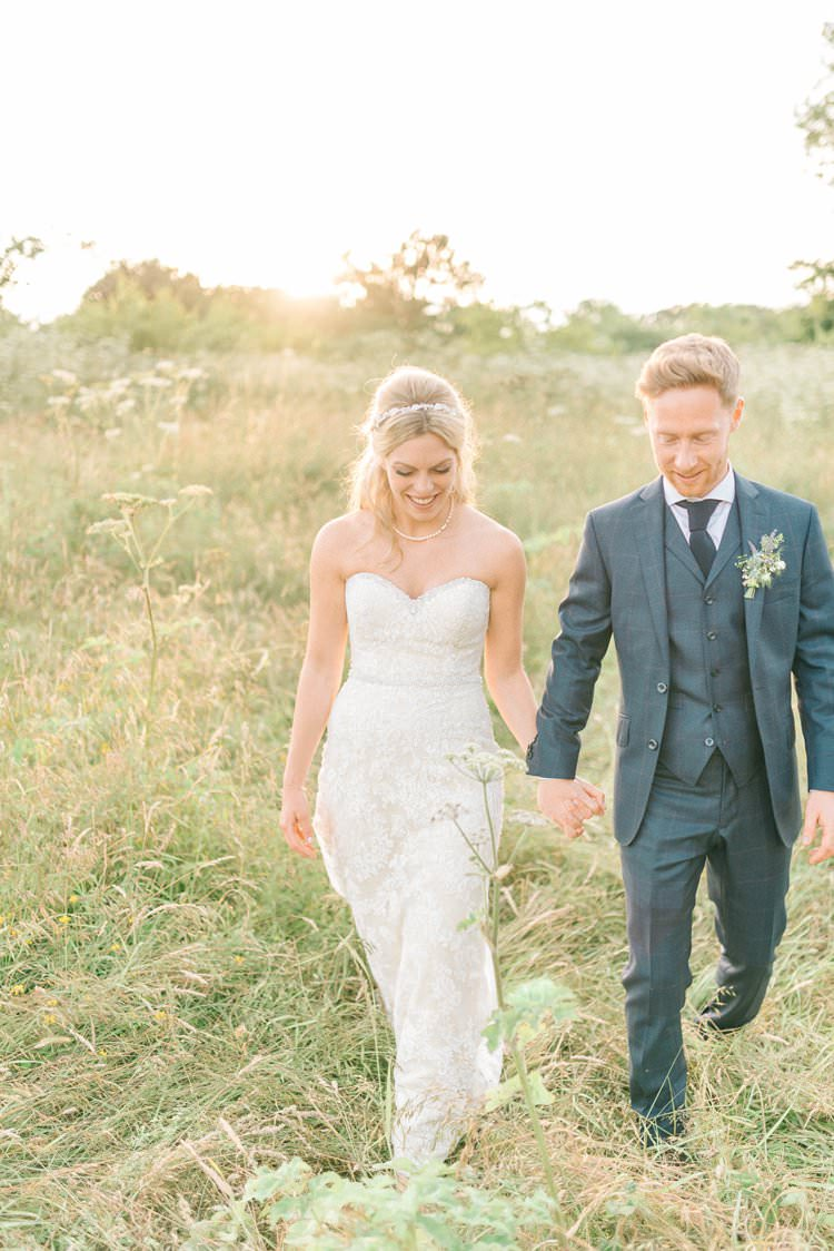 Rustic Summer Country DIY Barn Wedding http://sarahjaneethan.co.uk/