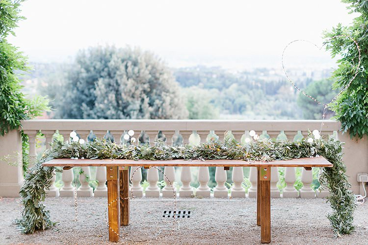 Tables Decor Decoration Tablescape Greenery Foliage Garland Swag Centrepiece Candles Long Romantic Scenic Tuscany Destination Wedding http://ilariapetrucci.co.uk/