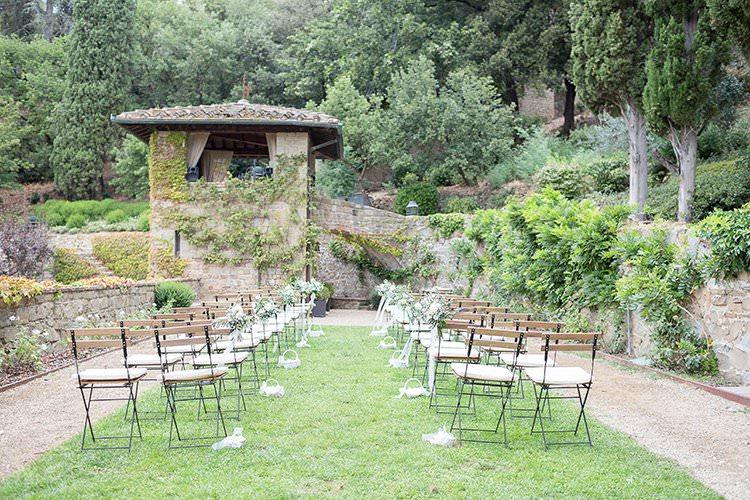 Outdoor Ceremony Italy Romantic Scenic Tuscany Destination Wedding http://ilariapetrucci.co.uk/