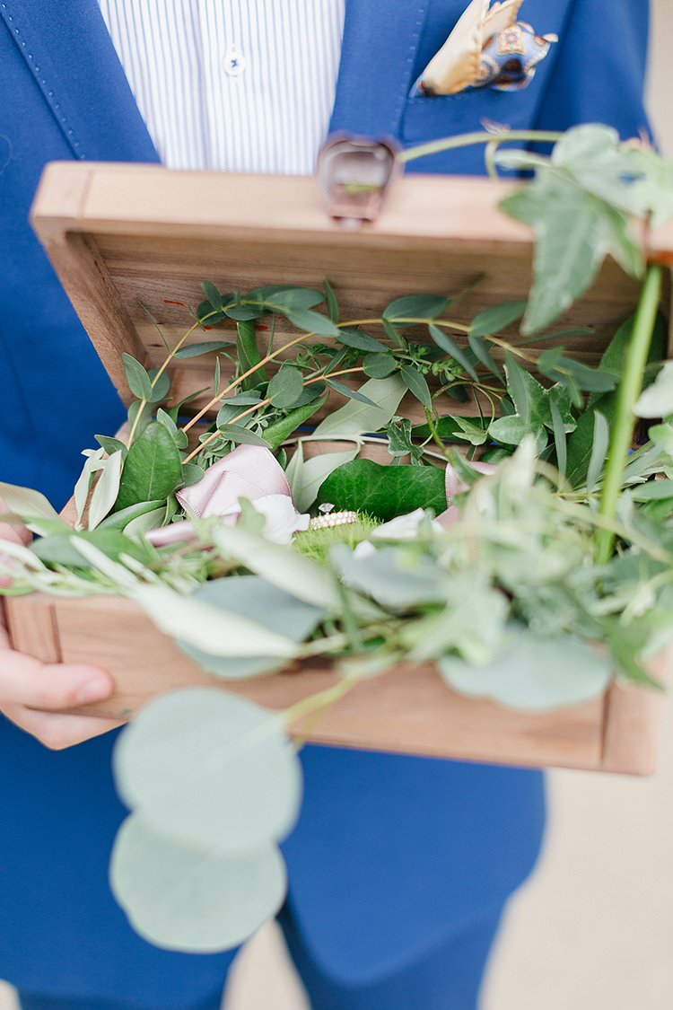 Wooden Ring Box Greenery Foliage Romantic Scenic Tuscany Destination Wedding http://ilariapetrucci.co.uk/