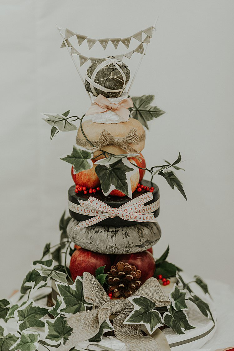 Cheese Tower Stack Cake Bunting Traditional Christmas Wedding Red Festive https://lolarosephotography.com/