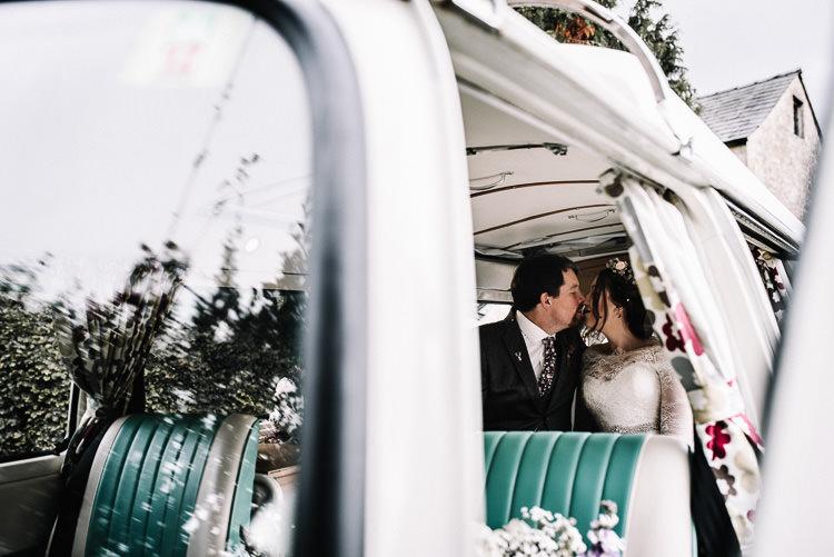 Luxe Rustic Autumn Berry Wedding http://www.oobaloosphotography.co.uk/